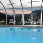 piscina panoramica in notturna