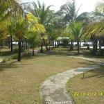 Área entre os chalés e o acesso à praia