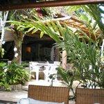 Jardins e área do restaurante