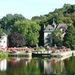 Villa Tranquillité, devant le canal de Nantes à Brest
