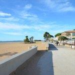 Strand, 50 Meter vom Hotel