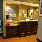Vue du Salon dans le Hall de l'Hotel