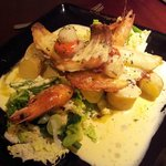 Seafood medley with crème Béarnaise