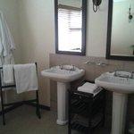 pretty, clean bathroom
