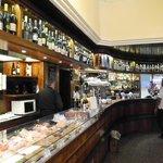 Cocktail und Kaffee Bar neben der Pasticceria Salza
