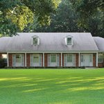 Chez Felicite' is located at the cross roads to the treasures of Bayou Country.