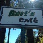 Photo de Bert's Cafe