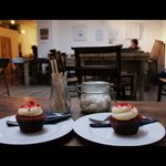 Kahaila cafe, red velvet cupcakes!