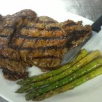 10oz Ribeye steak & grilled asparagus!! yummy