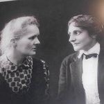 Marie Curie e uma de suas filhas, também cientista