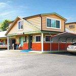 Campbells Motel Scottsburg Exterior
