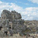 大聖堂と洞窟住居群です。