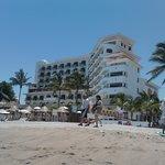 Hotel visto desde playa