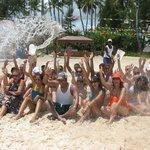 playa con el personal de animacion