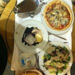Pizza, salad and dessert!!