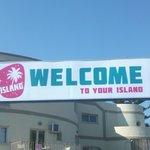 ISLAND HOTEL - ROAD ENTRANCE