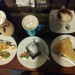 Pie de Limon, Brownie y Pie de Maracuya, Cafe frio, Chocolate y Capuccino