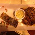 salmon con ratatouille. puro sabor en paris