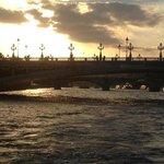 pont neuf a la puesta de sol. muy romantico