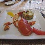 Émincé de homard sur sa macédoine de fruits et légumes