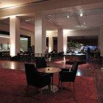 Vista da área anexa ao lobby/bar