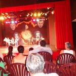 Teatro donde hacen los show (calor)
