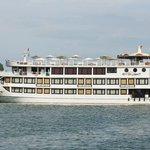 Starlight Cruise - Halong Bay - Vietnam