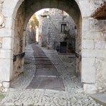 Entrance ...Fumone historical center