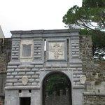 Porta Leopoldina (entrata al Borgo)