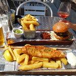 fish and ships et hamburger maison