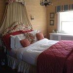 matthew perry room