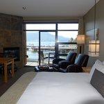 Sleeping area, Brentwood Bay Resort & Spa