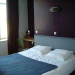 3 Chambres: lit confortable en160 cm,TV,ADSL et Wifi