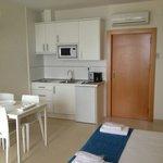 Studio, kitchenette