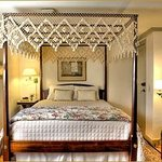Platina guest room