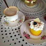 Pastel de Limon + Cafe con Leche