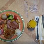 朝食ですが、台湾3泊目で食べる量も減っています。