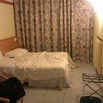 Camera vecchia e trascurata