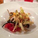 Parmigiana di melanzane estiva con tagliatelle di verdura