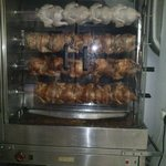 Los pollos asados muy sabrosos