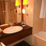 Room 626 bathroom
