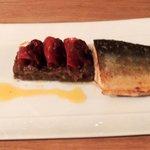 Omble chevalier au caviar d'aubergine et chorizo...