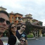 Eu, minha esposa, meu cunhado e minha irmã.
