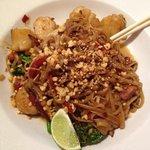 scalloped pad thai