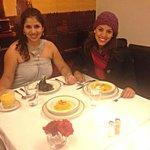 cenando con mi hna :)