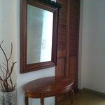 Mirror and table in the hallway