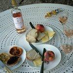 Courtyard picnic
