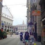 Vista del Teatro Carlo Felice e piazza De Ferrari