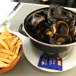 HUGE portion of moules frites. The photo doesn't do it justice.