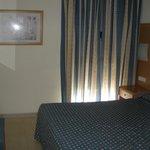 Dormitoro principal en apartamento de dos dormitorios